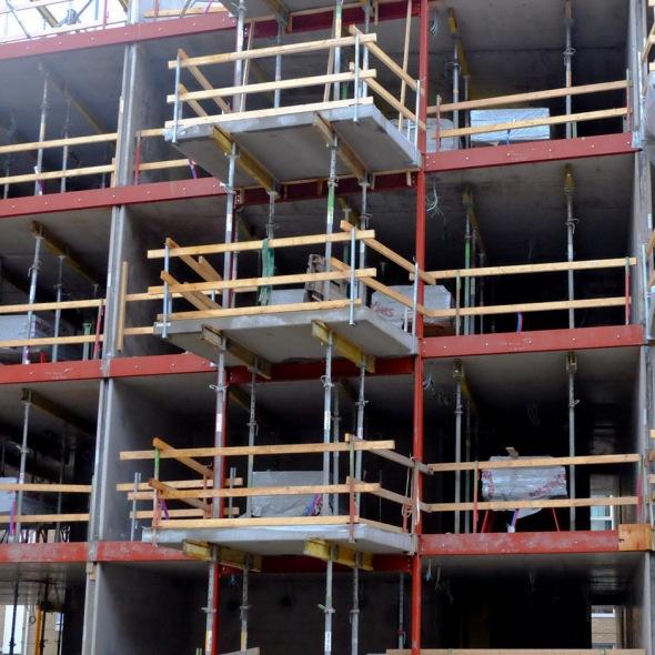 3 balkonies